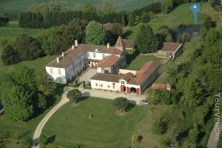 A vendre chateau manoir gers pyrenees piscine seigneurie