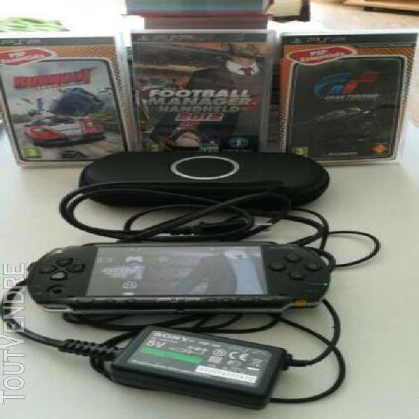 Console psp + 5 jeux + housse de protection+ chargeur + cart
