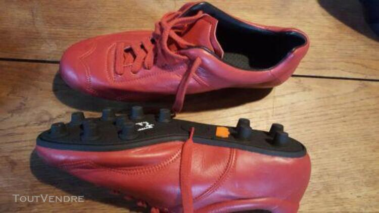 Crampons neuf tout cuir rugby ou foot façon vintage.marque