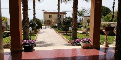 location vacances chambres/villa au bord de mer en sicile,