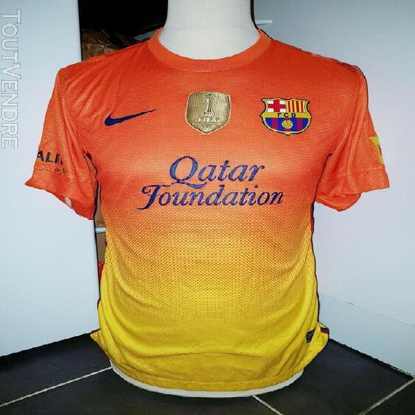 Maillot fc barcelone porté par adriano en match amical 2012