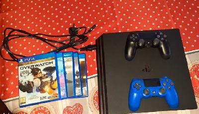 Playstation 4, 5jeux, 2manettes