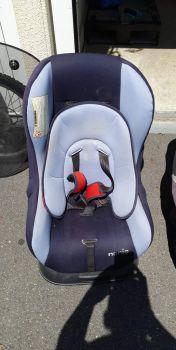 2 sièges auto bébé et enfant à vendre paris