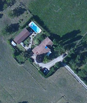 Ensemble immobilier avec piscine et...