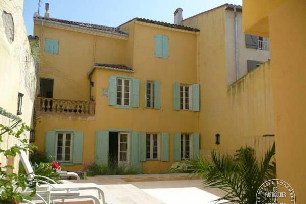 Location maison sigean 12personnes dès 2.500€ par