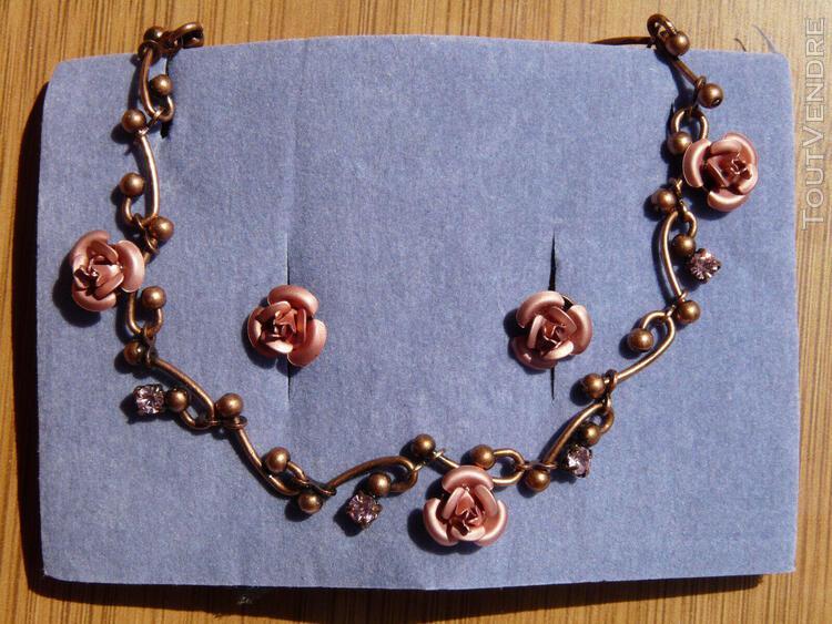 Parure de qualité collier & puces d'oreilles ornés de