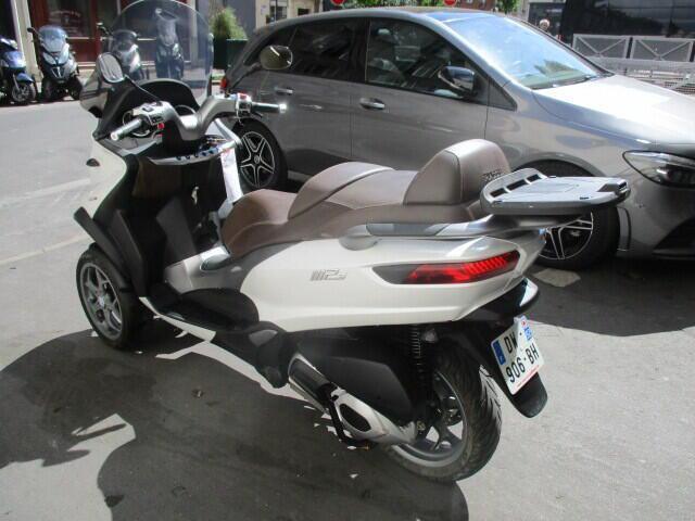Piaggio mp3 essence paris 17 75 | 4000 euros 2015 16077239