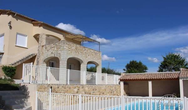 Location maison bessas 10personnes dès 1.500€ par