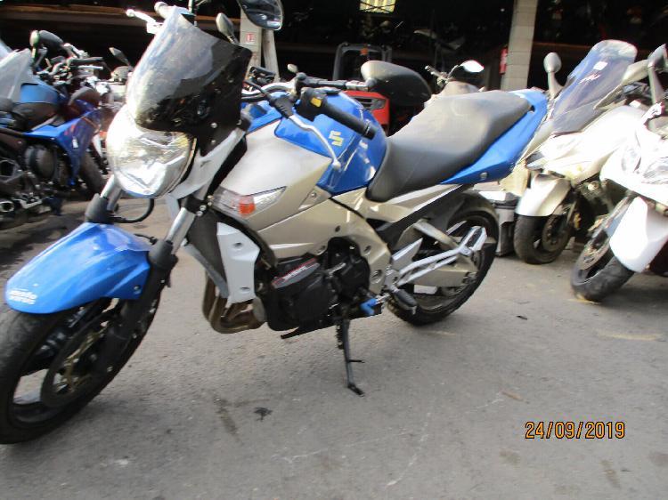 Suzuki gsr 600 essence raphele les arles 13 | 1750 euros