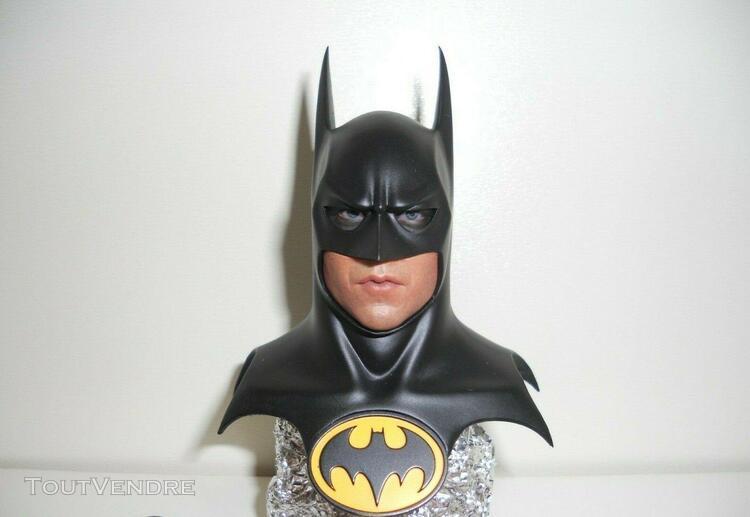 Hot toys batman returns / michael keaton mms 293: 1/6 scale