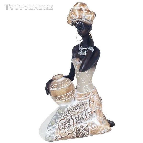 Décoration femme africaine porteuse d'eau