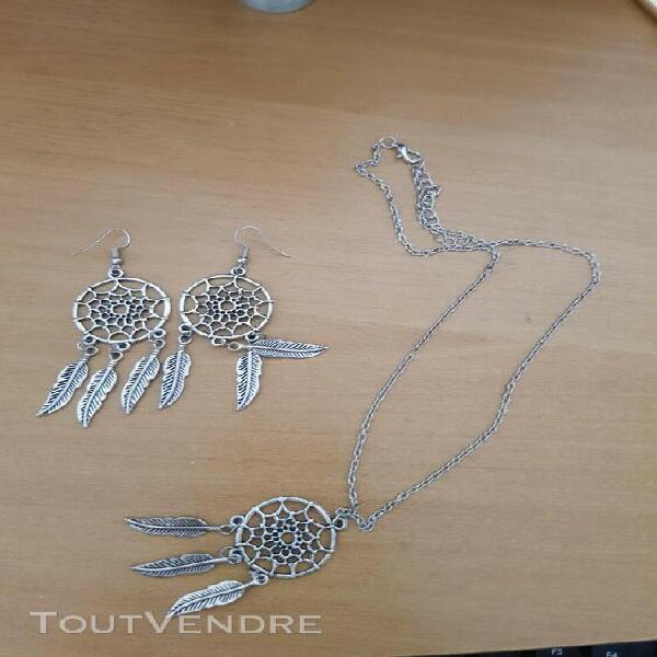 Parure metal argente collier + pendants oreilles attrape rev