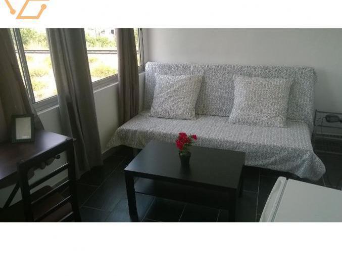 Chambre meublée avec frigo à la belle de ma...