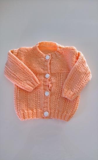 Gilet orange tricote a la main - taille 3-6 mois