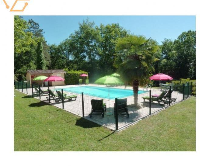 Gîtes cadre idyllique avec piscine et wifi.