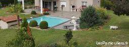 Villa contemporaine bourg sud terrain piscine 4 ch