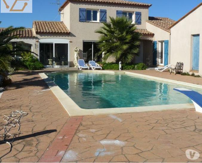 Villa, grande piscine à 10 min de la mer