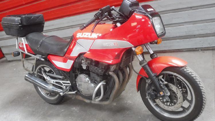 Suzuki gsx essence pressigny les pins 45 | 800 euros 1984