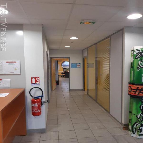 A louer - bâtiment 1000 m² d'activité + bureaux - mornant