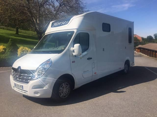 Camion 2 chevaux stalle renault dci 165 cv