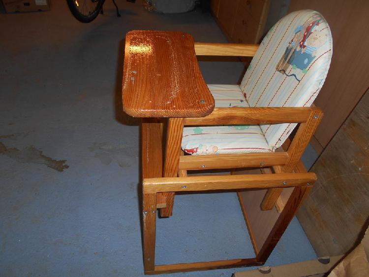 Chaise haute bébé en bois occasion, chantonnay (85110)