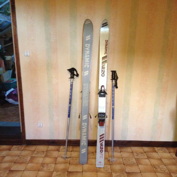 Paire de ski avec bâtons occasion, bouvignies (59870)
