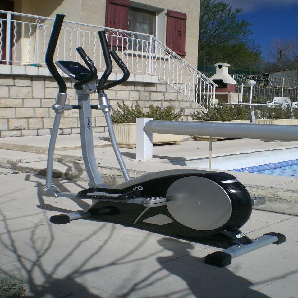 Vélo elliptique neuf/revente, cruis (04230)