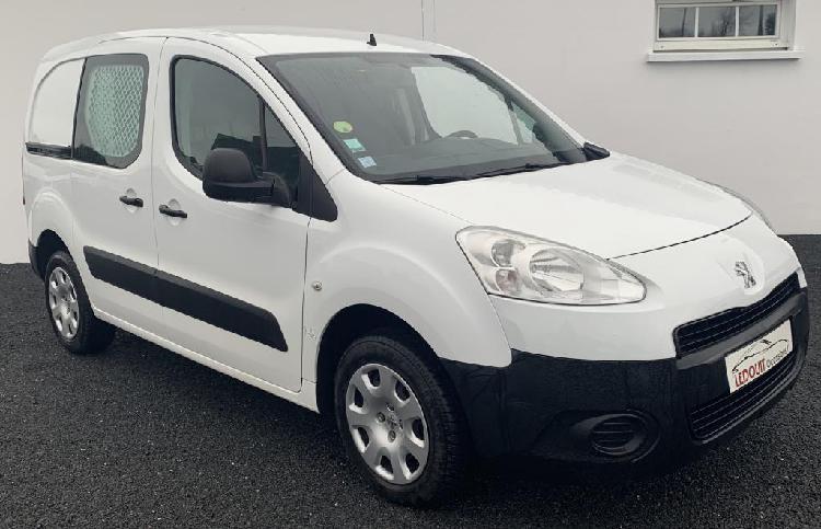 Peugeot partner diesel saint-georges-montcocq 50 | 8200