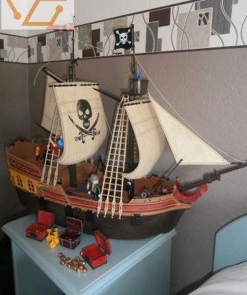 Playmobil bateau pirates occasion
