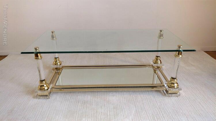 Très belle table basse altuglas verre et laiton type maison