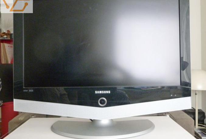 Tv écran plat lcd.