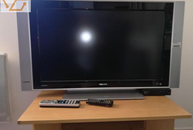 Tv plasma 82cm phillips avec de modulateur