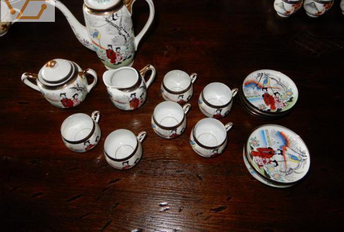 76 pieces en porcelaine chinoise