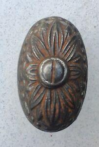 Ancienne poignée de porte olive fer ouvragé pour battant