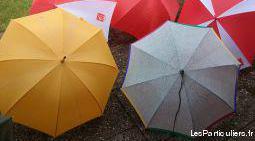 Divers parapluies et parapluies canne à 2 €- neufs