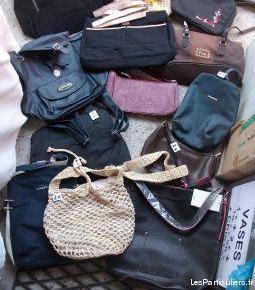 Divers sacs à mains à 2 €