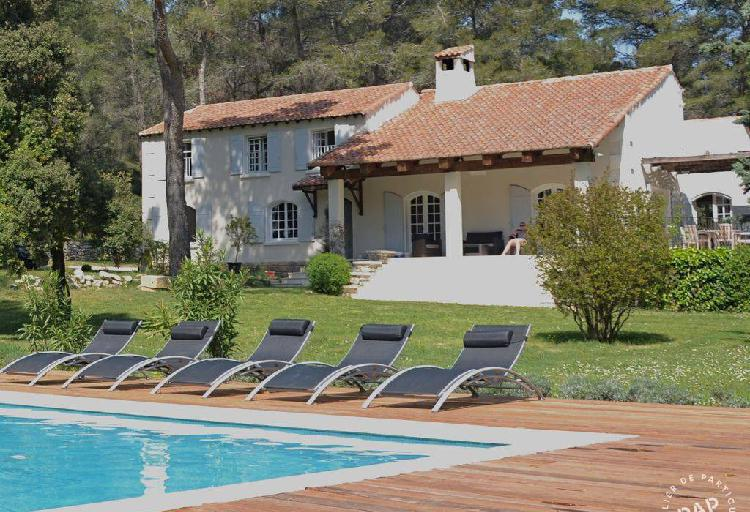 Location maison fontvieille 16personnes dès 3.000€
