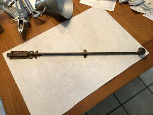 Poignée de porte ancienne en fer forge à loquet clenche du