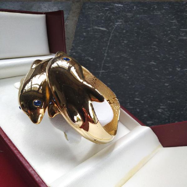 Très beau bracelet en plaqué or jaune avec dauphin et son