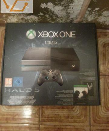 Xbox one 1tb collector halo 5 + jeu jamais ut...