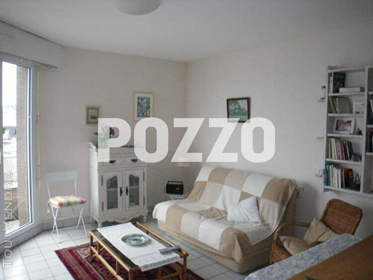 Location: appartement studio (25 m²) meublé de septembre