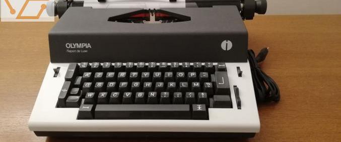 Machine à écrire oplympia international