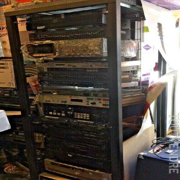 Baie metal rack 19 pouces de 2 mètres pour régie studio