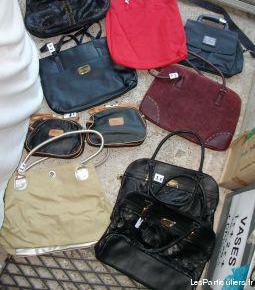 Divers sacs à mains à 1 €