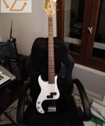 Guitare basse brighton