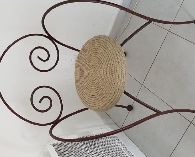 Miroir fer forgé et chaise fer forgé et corde vintage
