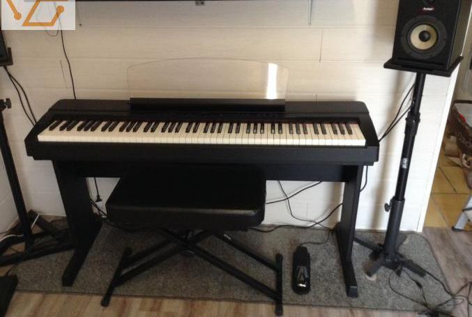 Piano numérique p155b yamaha