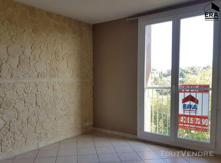 Salon de provence - appartement 3 pièces avec vue dégagée