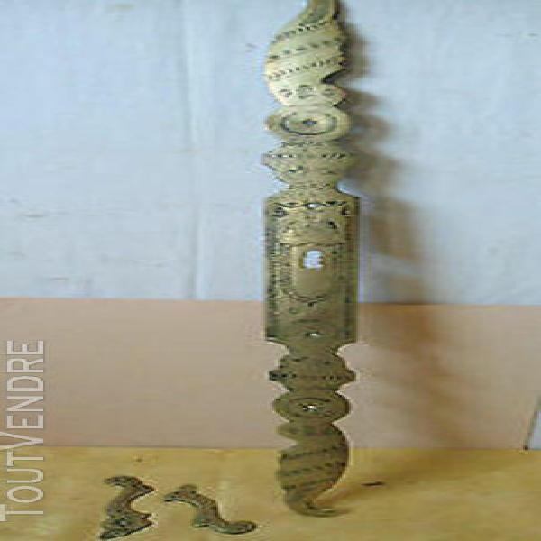 Rare ancienne entrée de serrure en laiton gravée 62 cm