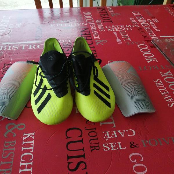 Crampons de foot neuf, mazion (33390)